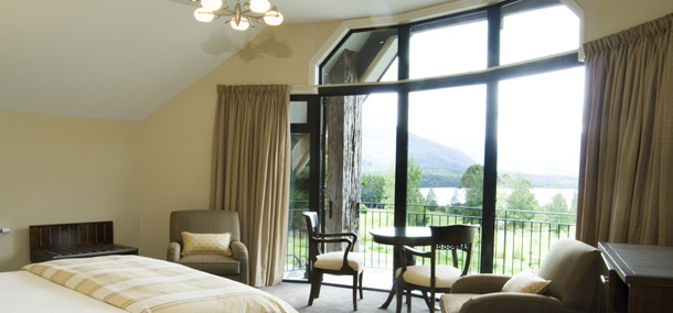 Luxury Dock Bay Lodge accommodation Milford Suite Te Anau, Fiordland